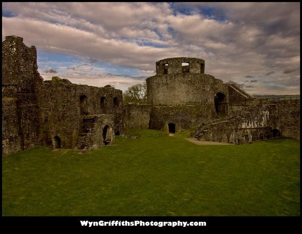Dinefwr Castle by Wyn