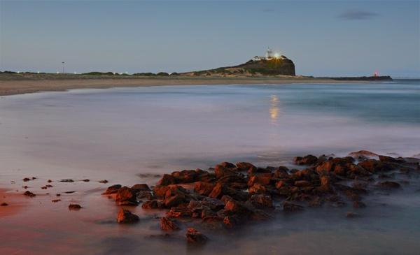 Nobby\'s Lighthouse by fourdavisons