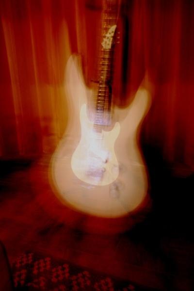 Electric Guitar by livermilan