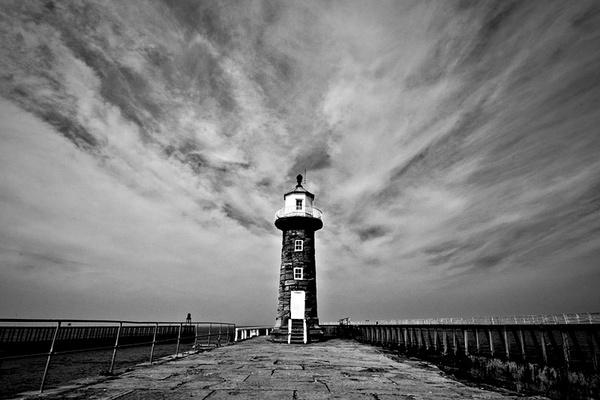 Whitby Pier by DavidGresham