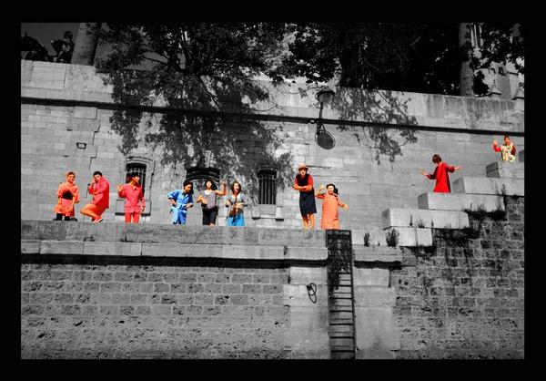 Paris street performance by acididko