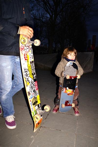 Skateboarding South bank by alex92