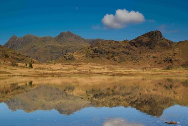Blea Tarn looking towards Langdale by macca809