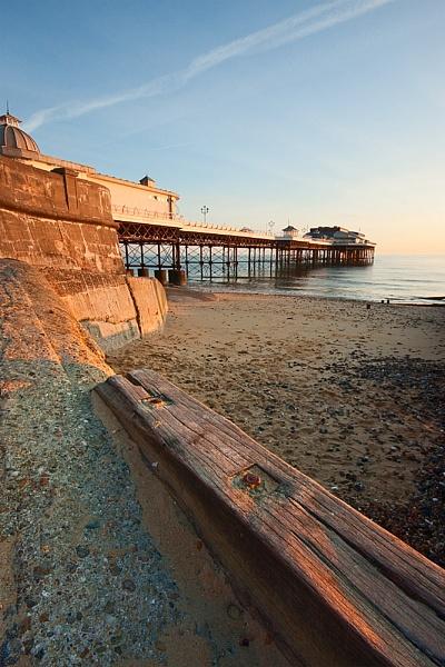 Cromer Pier Morning Light by kennyoak