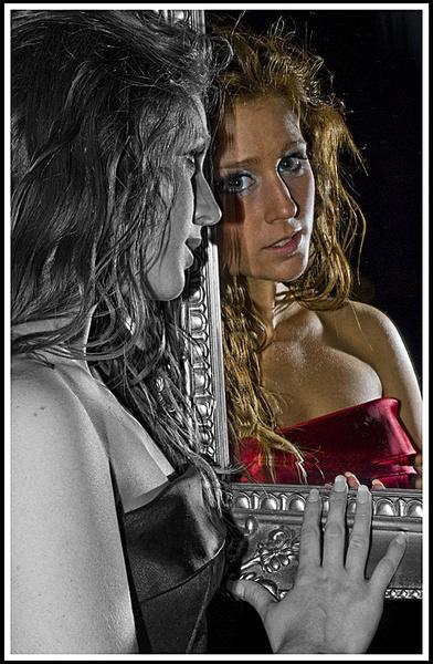 Beauty in the mirror ! by D80daz