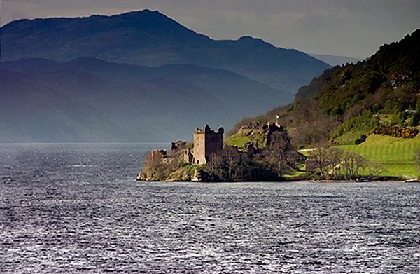 urquhart castle by geosami