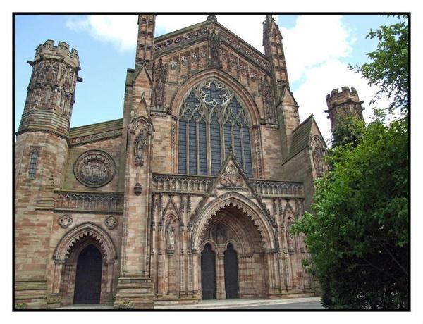 hereford cathedral by RobbieWales