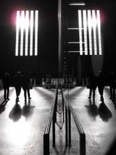 tate modern in reflection by kidloco