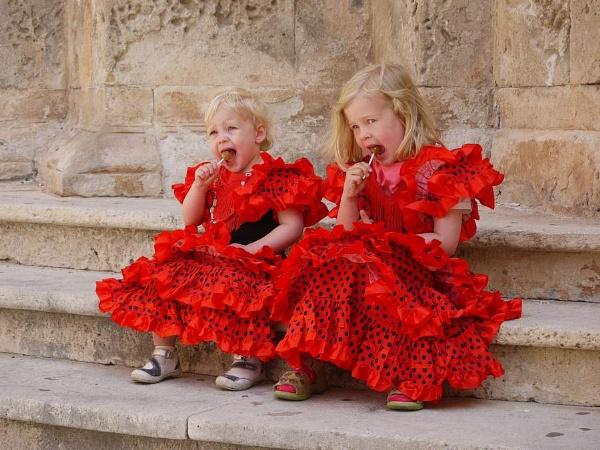 Sisters by crookymonsta
