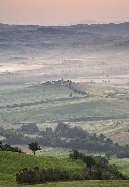 Tuscan Dawn by Les_G
