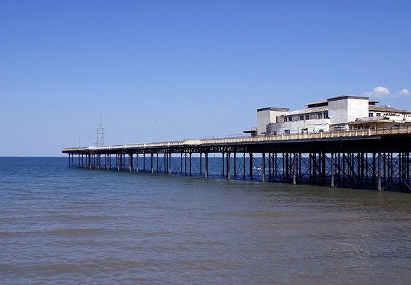 RHOS ON SEA PIER by vparmar