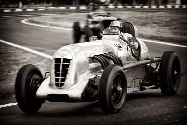 Vintage Racers by SuperRoo