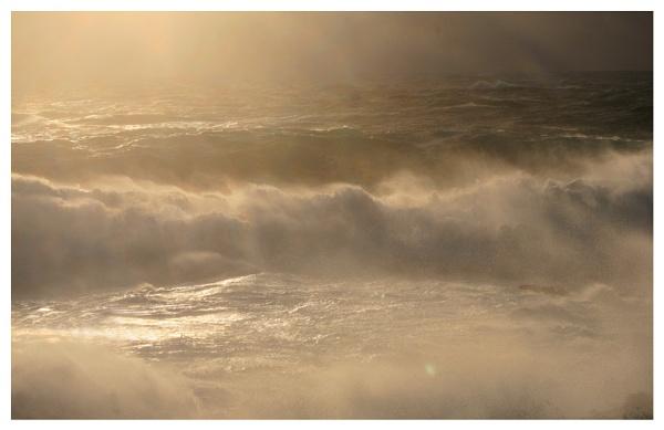 Turbulant Sea\'s. by rontear