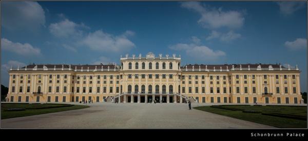 Schonbrunn Palace by 11thearlofmar