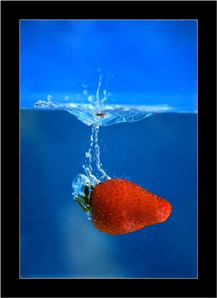 Strawberry splish splash by allan_j