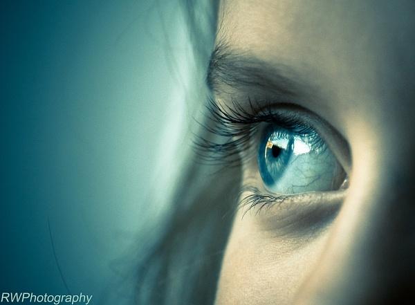 Ella\'s Eye by RWPhotoGraphix