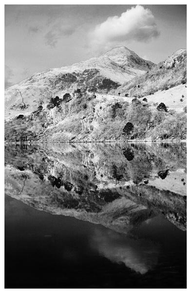 Llyn Gwynant. by rontear