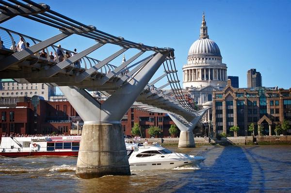 Millennium Bridge by Robert51