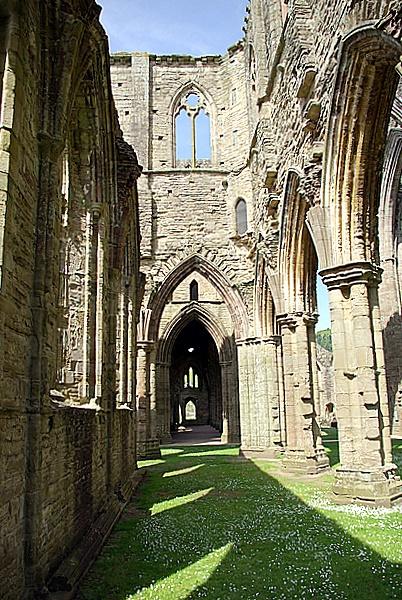 Tintern Abbey by fotosphere