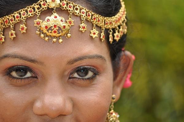 Sri Lankan Bride by Dusan