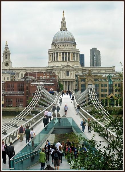 Millenium Bridge by Sylviwhalley