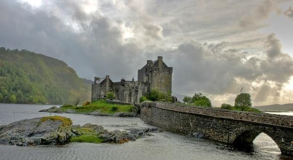 Eilean Donan Castle by MikePeel