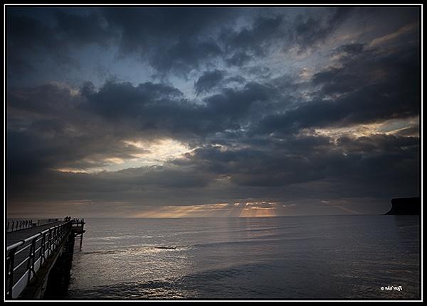 Saltburn sunrise by lobo_blanco