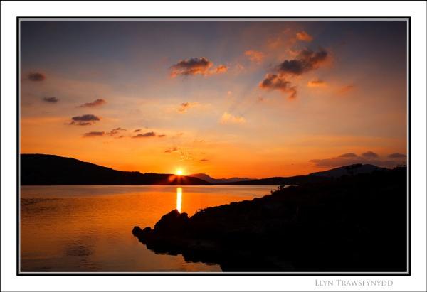 Llyn Trawsfynydd... by Scottishlandscapes