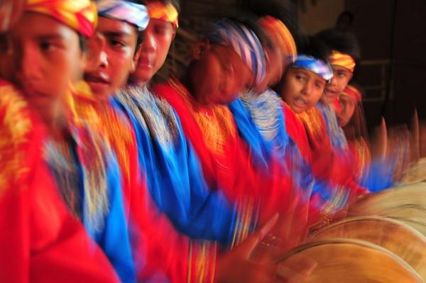 Saman Dynamic Dance by GregnTreesPhotography