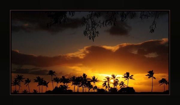 Hawaiian sunset by nbrooks