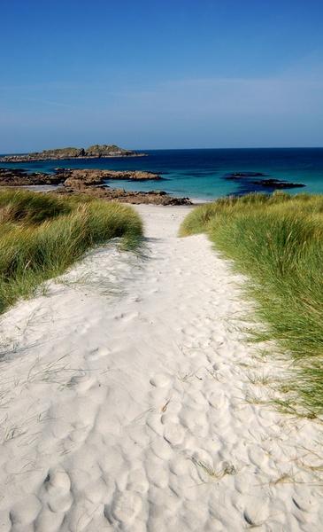 Iona Beach by bigbadgoggs