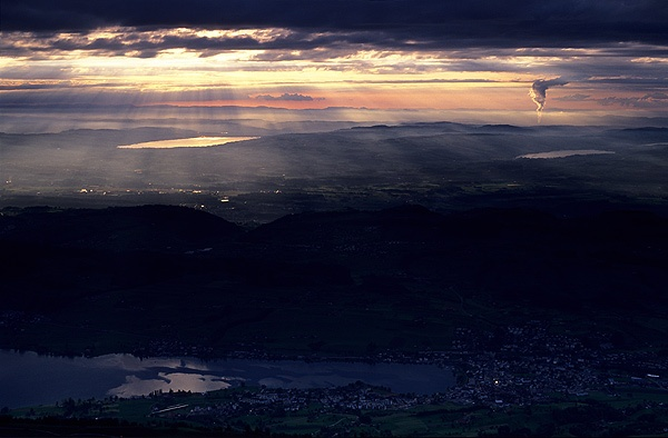 Sundown from Rigi by ihana