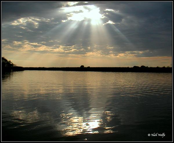 Broad reflection by lobo_blanco