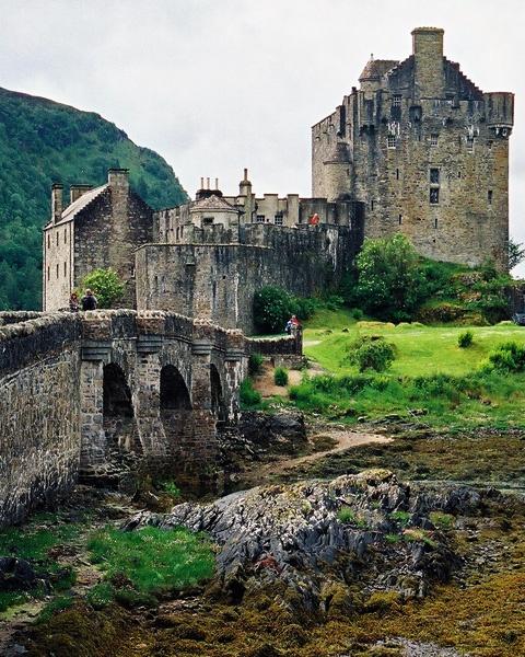 Eilean Donan Castle by LensYews