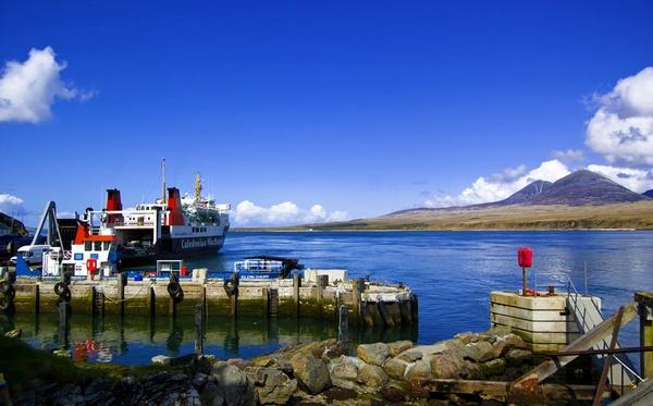 Islay - Port Askaig May 2009 by bigbadgoggs