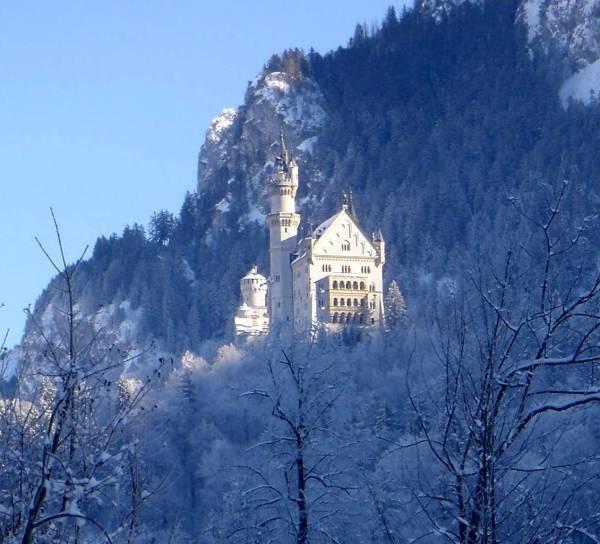 Neuschwannstein, Bavaria by SandiR