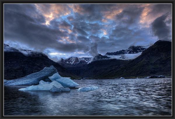 Morsárdalur Lagoon by Hugeknot
