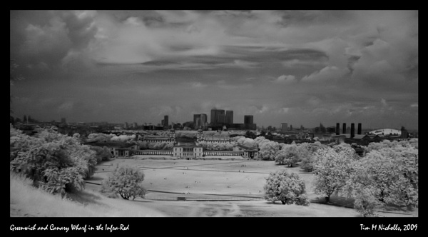 Greenwich and Canary Wharf, Infra-Red by Ammonyte