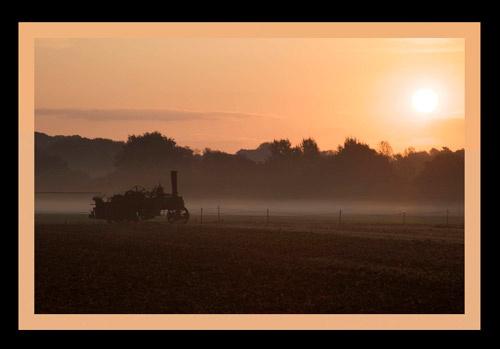 Sunrise at Barleylands by luap