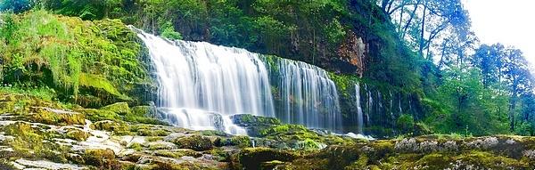 waterfall Panoramic by LeonSLR