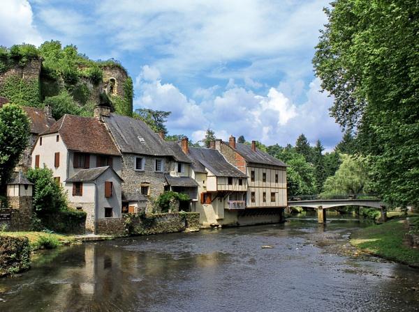 Segur Le Chateau by HelenHiggs