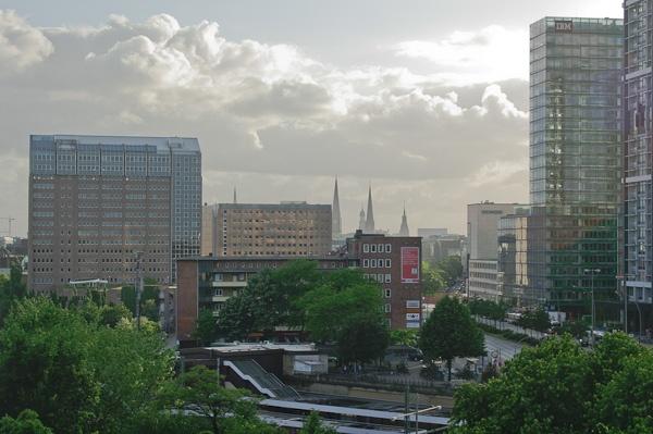 Hamburg Berliner Tor by kasv