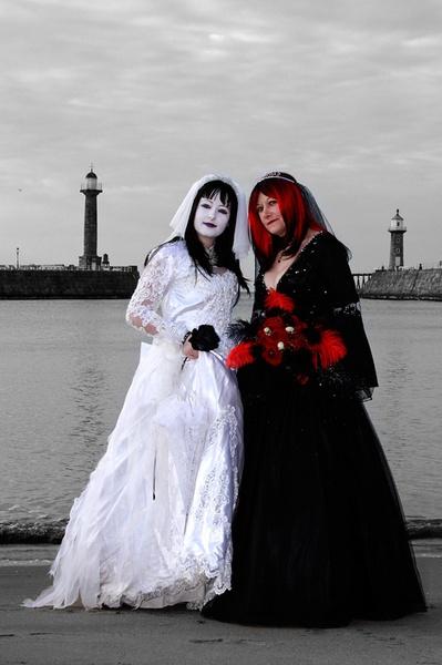 Roise & Julie by chris-plumb