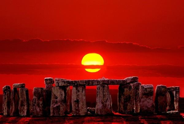 Stonehenge by geoffmilner