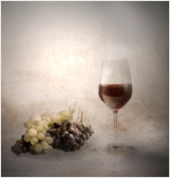 Red wine by Vikki_R