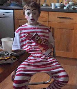 T Break for the little clown by jerrydowds