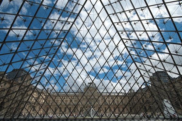 Louvre by DavidGresham