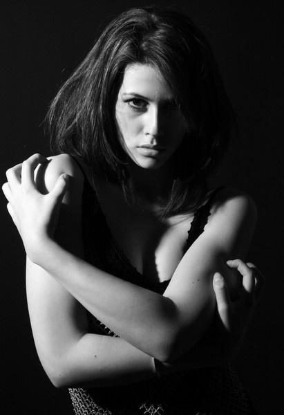black/white by hondarr