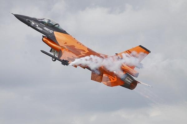 F16 Take Off by gwood
