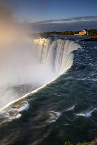 Horseshoe Falls by coxy